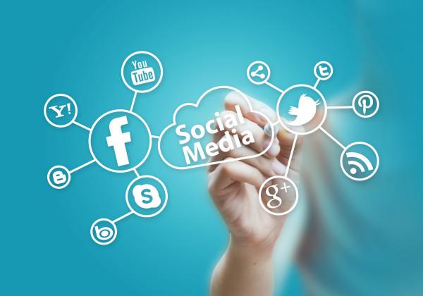 photodune-3940954-social-media-m